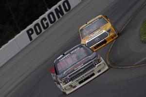 2014-Pocono-II-CWTS-Austin-Dillon-Clint-Bowyer-racing-CIA-660x439