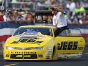 Jeg Jr. waves at the fans
